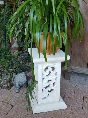 limestone plant stand - SCROLL 50x30cm - CPS38. Create an ambience in your garden or home. Add a 12 volt light for your garden.